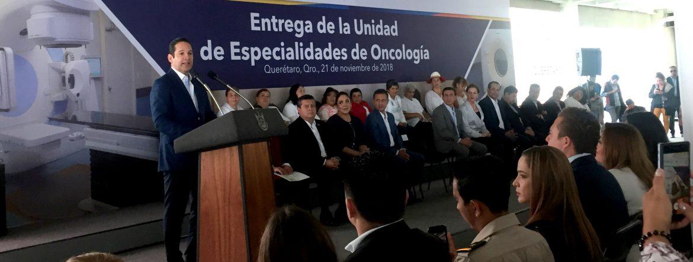 Entrega de la Unidad de Especialidades de Oncología