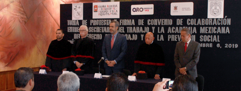 Toman protesta integrantes de la AMDTPS Querétaro