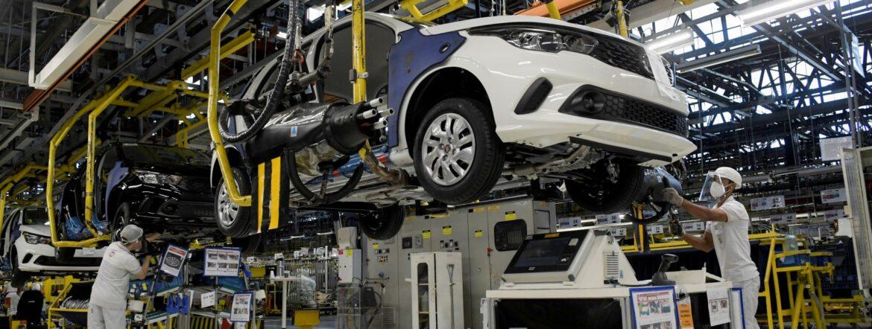 Déficit de micro componentes electrónicos afecta a plantas automotrices en Querétaro